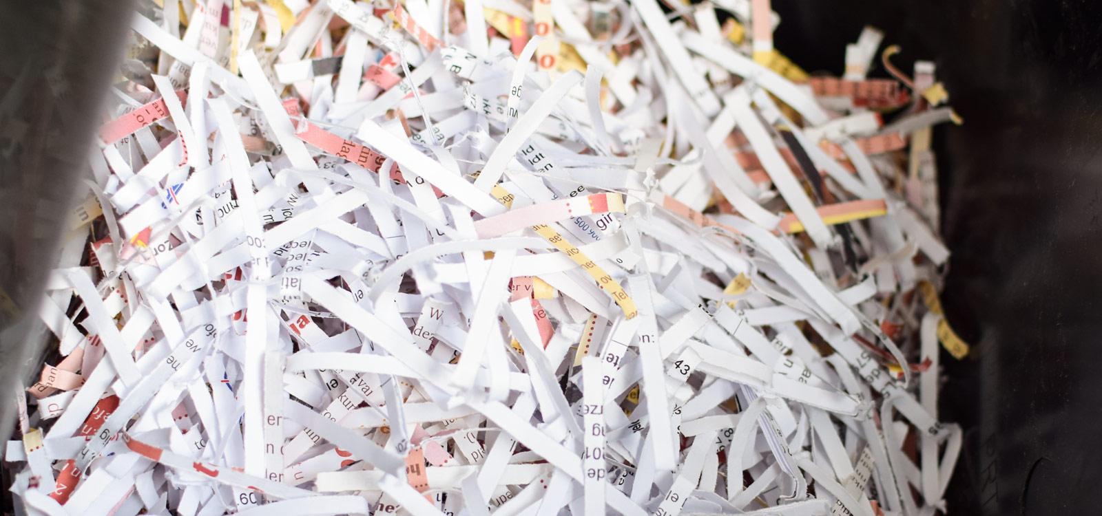 versnipperd-papier-in-de-shredder-voordelen-papiervernietiging